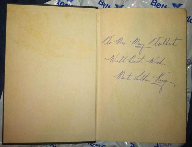 Assinatura no livro Força para Amar