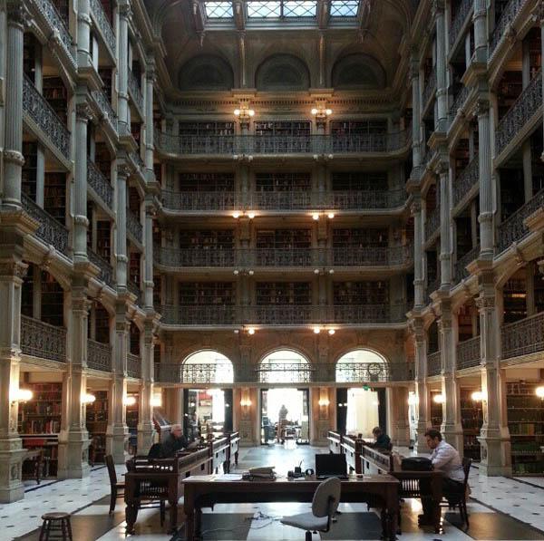 George Peabody Library – Baltimore, Estados Unidos
